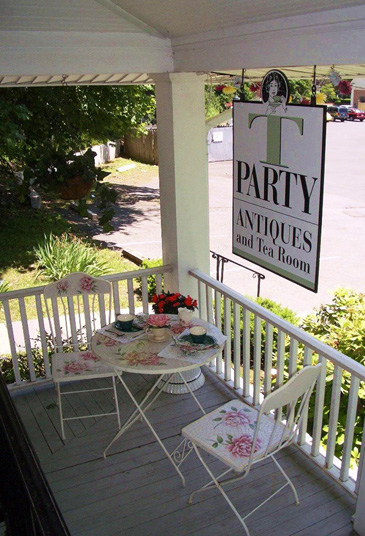 T-PartyPorch