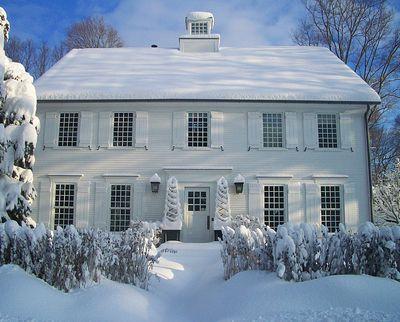 SnowyWhiteHouse