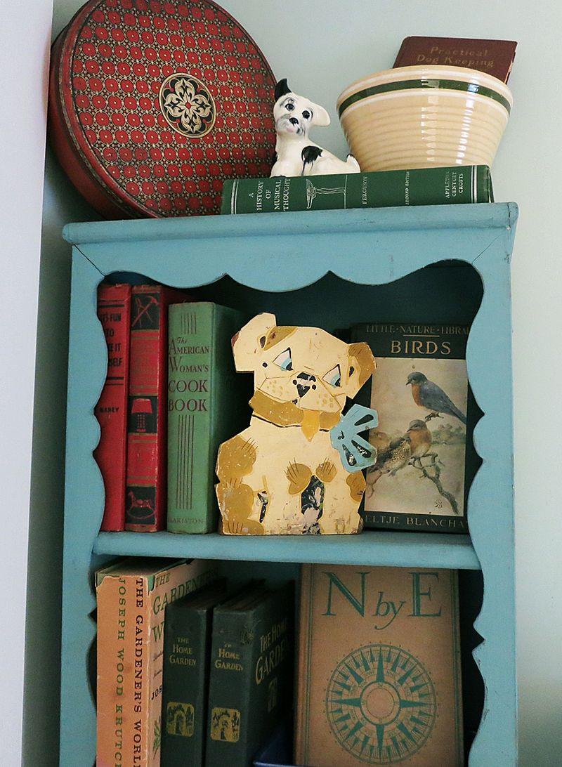 StudioBookSheves