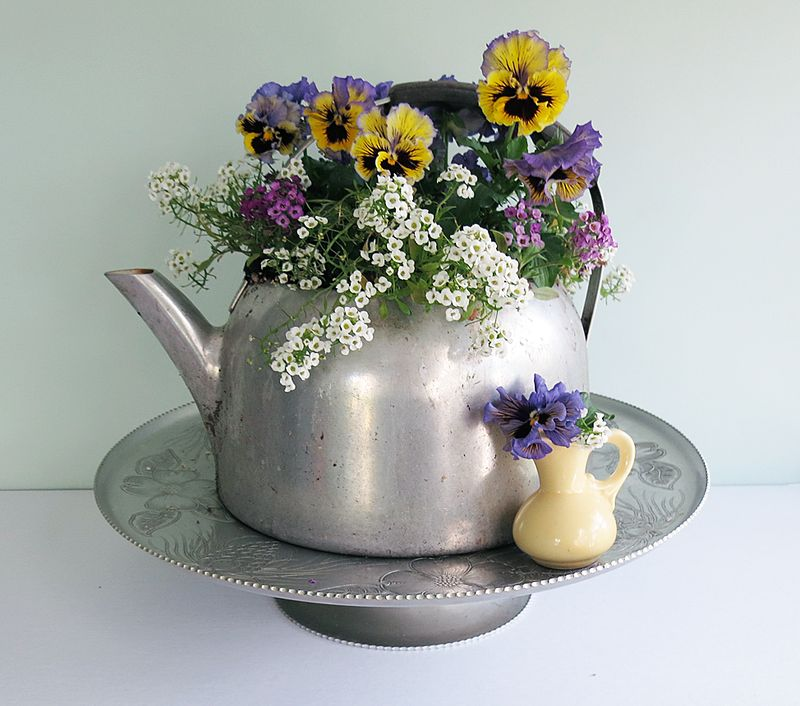 LazySusan&Flowers1