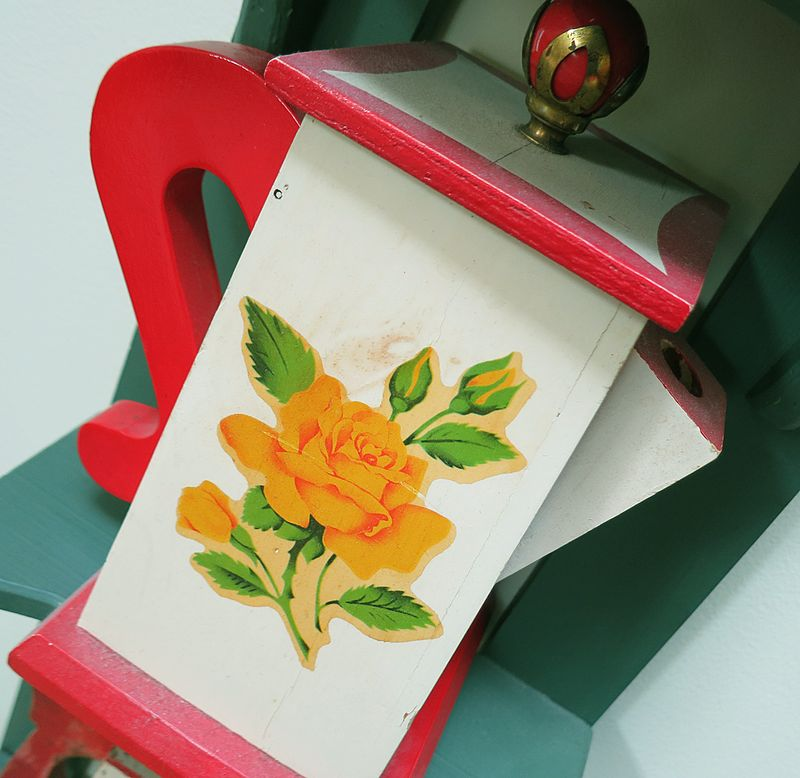 Yellow Rose Dispenser
