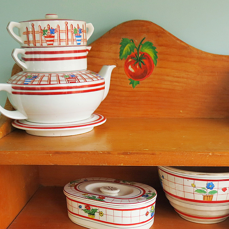Tomato Decal Shelf