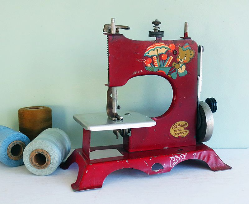 Artcraft Sewing Machine