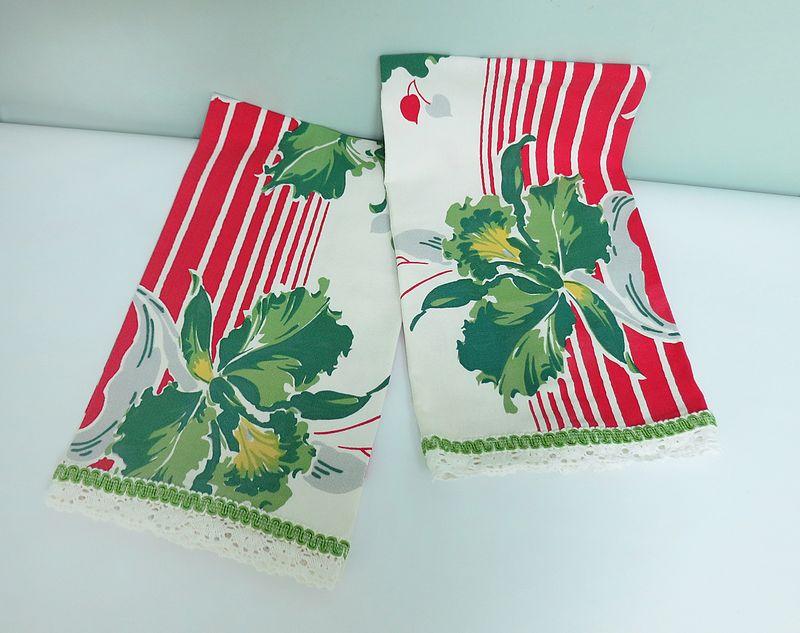 Red & Green Tea Towels 1