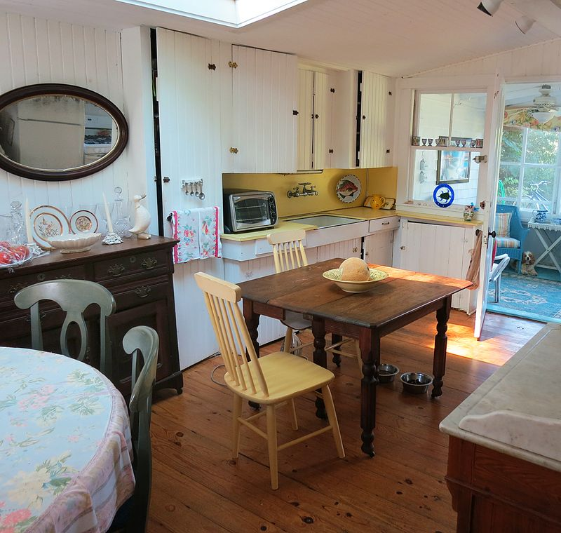 Seashell Cottage 4