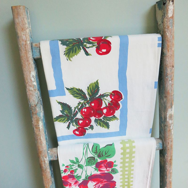Tablecloth ladder