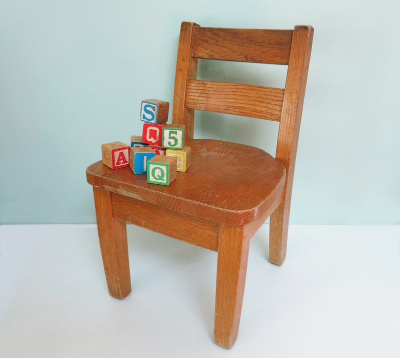 T-Party Antiques Childs Oak Chair