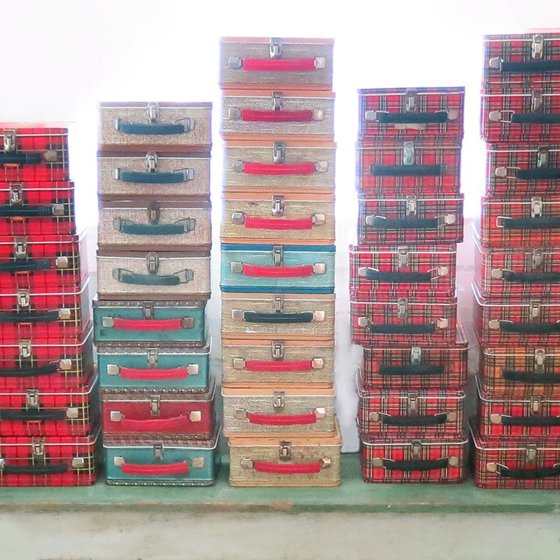 Lots of lunch boxes