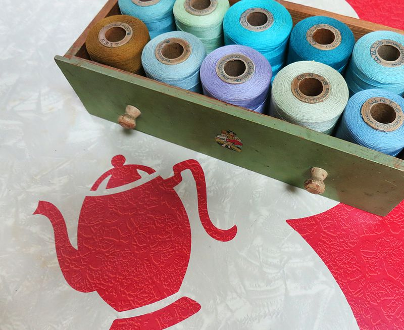 T-Party Work Table & Thread