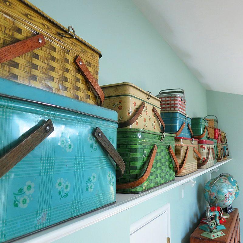 Picnic tin collection