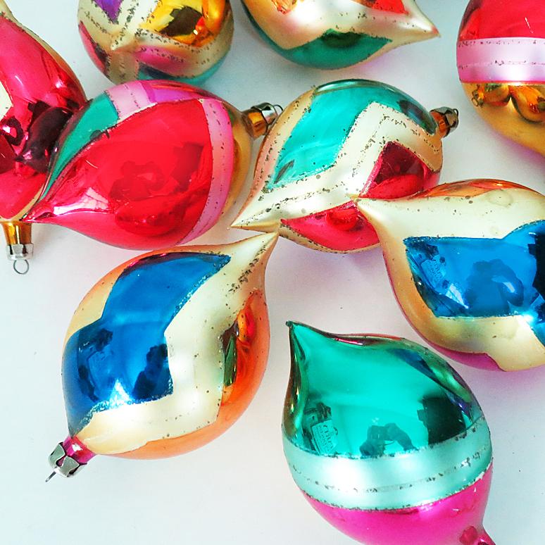 12 Xmas Ornaments