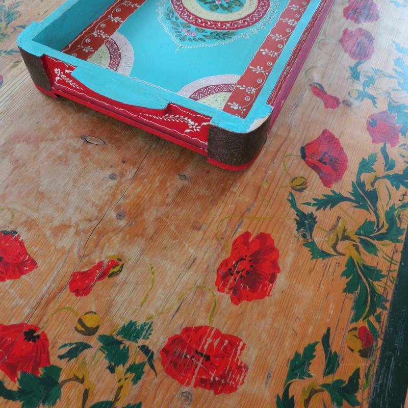 T-Party MV Sun Room Table