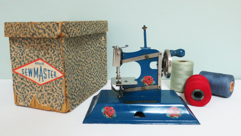 T-Party Antiques Toy Sewing Machine